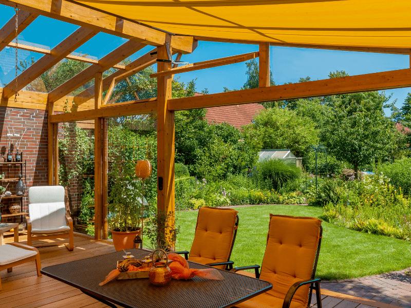 5 pomysłów na ogrodzenie tarasu