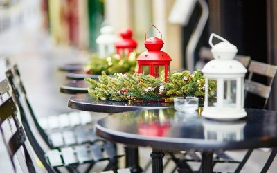 Modne dekoracje świąteczne na balkon i taras